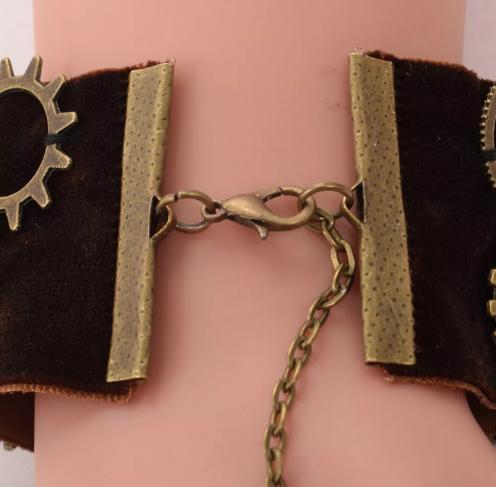 Steampunk bracelet fastener