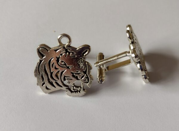 Smart tiger cufflinks